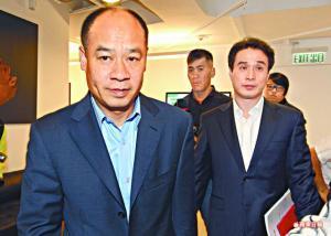李寧(左)強調選擇發行CS而非供股等途徑,是要保障所有股東利益。右為副主席金珍君。