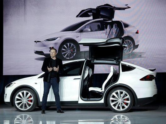 最新發佈的 Tesla Model X